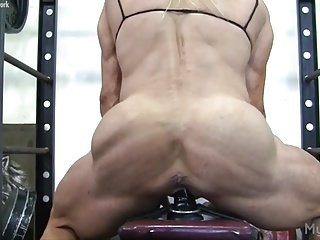 Wanita otot