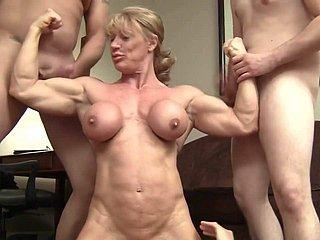 근육 질의 여성